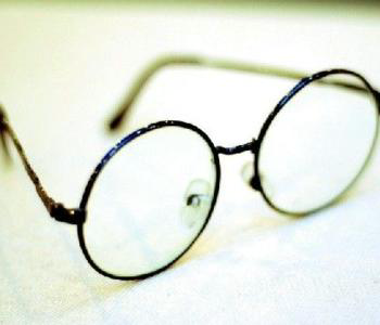 专家教您如何早期发现近视眼的症状
