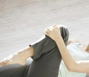 膝盖关节腔积液怎么治疗呢