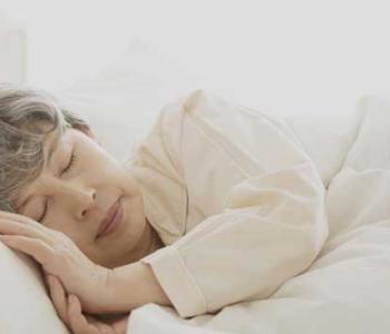 睡觉前嗓子痒咳嗽怎么办呢