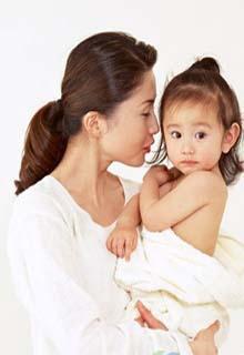 如何治疗新生儿迁延性胆汁淤积性黄疸