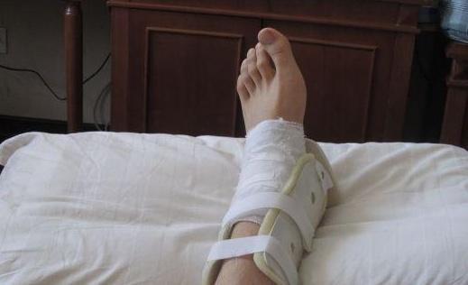 脚扭伤了怎么办