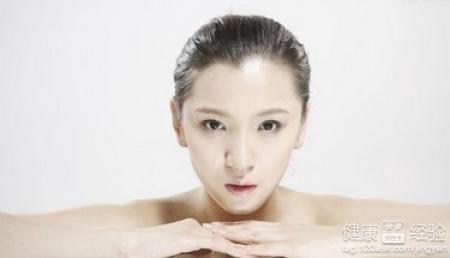 改善面部皮肤问题只需要补水到位