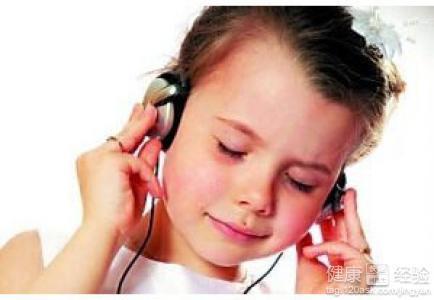 耳朵疼是怎么回事