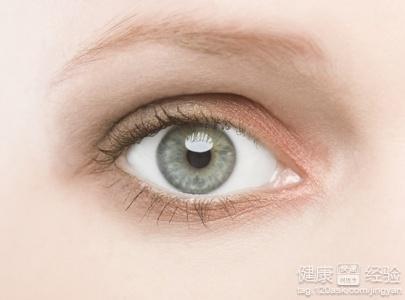 眼睛干涩发痒_眼睛干涩是怎么回事