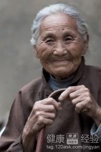 慈祥的农村老太太照片