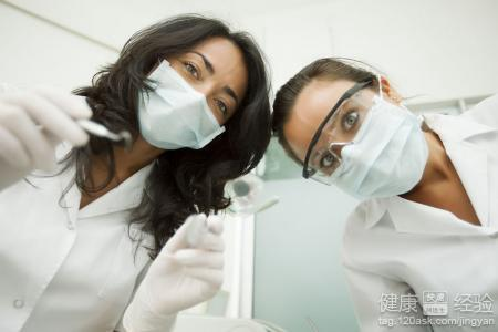 男主是牙医女主是患者