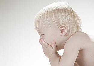 孩子吃头孢拉肚子