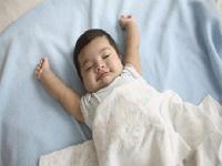 婴儿睡眠少
