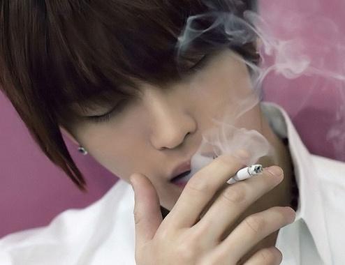 抽烟的人口臭怎么办_抽烟口臭怎么办