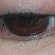 纹眼线了,细细的一层,看着很自然